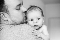 babyglueck - papa_sohn_baby_schulter_13-42-41_26-10-2016.jpg
