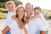 familienbande - familie_shooting_rostock_gottowik_familienfotografin_110_15-01-27_13-07-2020.jpg