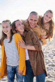 familienbande - familie_shooting_rostock_gottowik_familienfotografin_13_15-00-16_13-07-2020.jpg