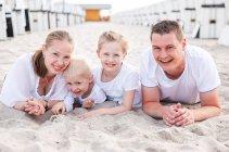 familienbande - familie_shooting_rostock_gottowik_familienfotografin_145_15-01-52_13-07-2020.jpg