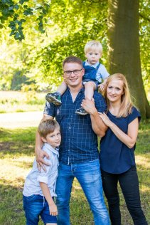 familienbande - familie_shooting_rostock_gottowik_familienfotografin_80_15-01-05_13-07-2020.jpg