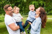 familienbande - familie_shooting_rostock_gottowik_familienfotografin_82_15-01-07_13-07-2020.jpg