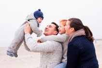 familienbande - familie_shooting_rostock_gottowik_familienfotografin_84_15-01-09_13-07-2020.jpg