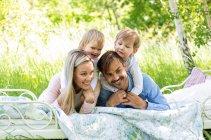 familienbande - familienshooting_andrea_gottowik_rostock_warnemuende_ostsee_strand_natur_17_14-50-51_03-02-2021.jpg