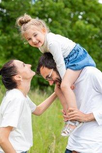 familienbande - familienshooting_andrea_gottowik_rostock_warnemuende_ostsee_strand_natur_25_14-50-56_03-02-2021.jpg