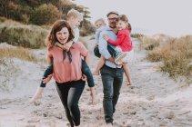 familienbande - familienshooting_soul_photographics_rostock_10_08-33-34_27-06-2019.jpg