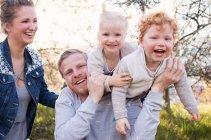 familienbande - familienshooting_soul_photographics_rostock_89_08-41-14_27-06-2019.jpg